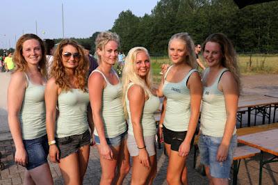 Terbroek Volleybalfinale DorpsBarbecue Bekeruitreiking 3-7-2015