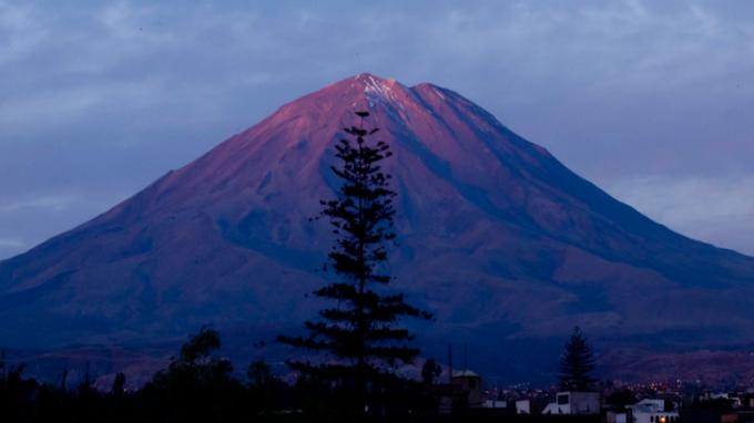 Posible erupción del volcán Misti en el distrito de Mariano Melgar es evaluado por el IGP