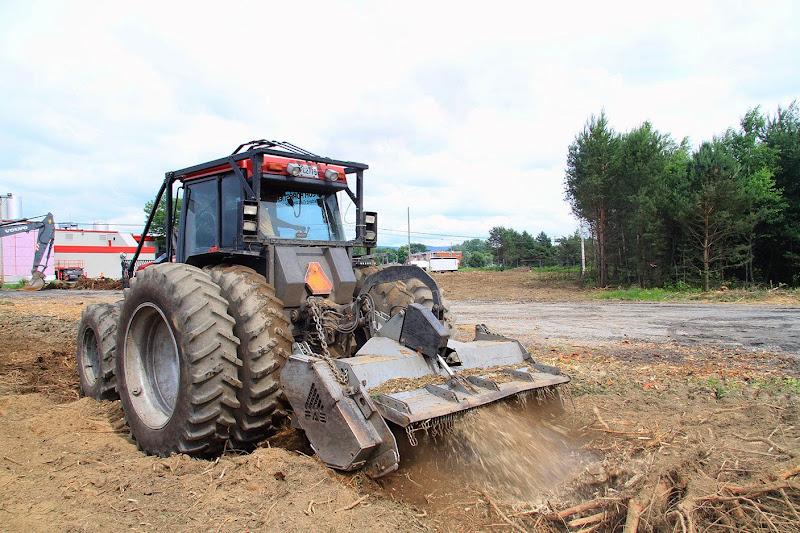 Aménagement Terrain industriel - broyage-pour-amenagement-terrain-industriel-8.jpg
