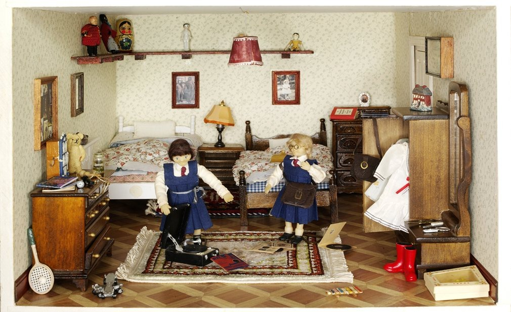 small-stories-dollhouse-3