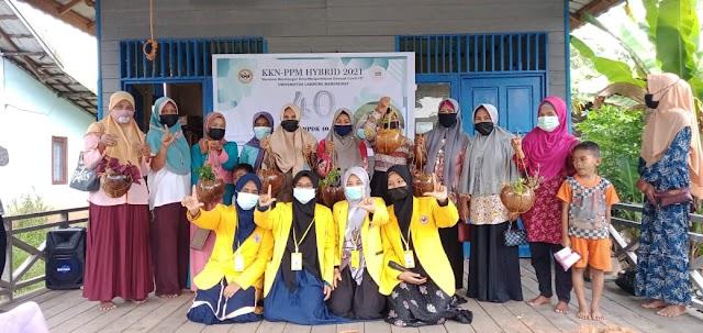 KKN ULM: Cocopot Solusi Sederhana Pemanfaatan Limbah Sabut Kelapa