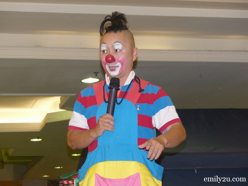 Au Young the Clown