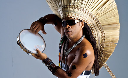 CARLINHOS BROWN.jpg