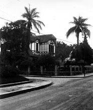 Photo: Casa de Paula Buarque, depois sede da Caixa Econômica Federal e atualmente abandonada. Localiza-se em frente à Praça D. Pedro. Foto sem data