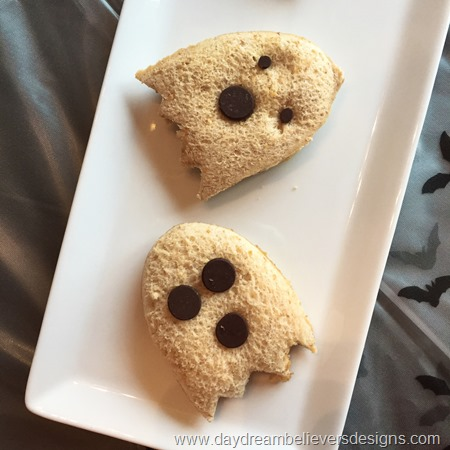 PBJ Ghosts for Halloween Lunch