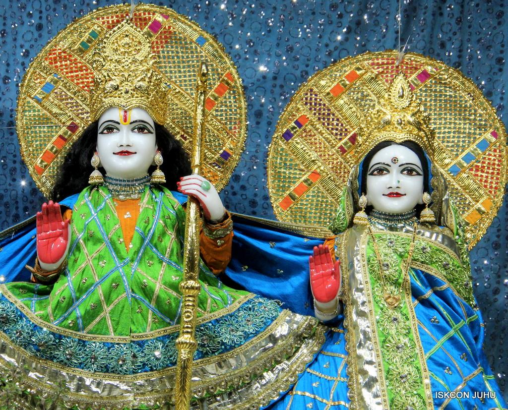 ISKCON Juhu Mangal Deity Darshan on 20th Jan 2017 (5)