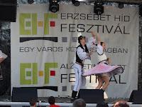 11 A Slovenskí rebeli néptáncosai a fesztiválon.jpg