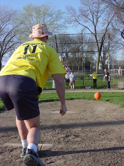 Kickball Spring 2002 - DSC00591.JPG