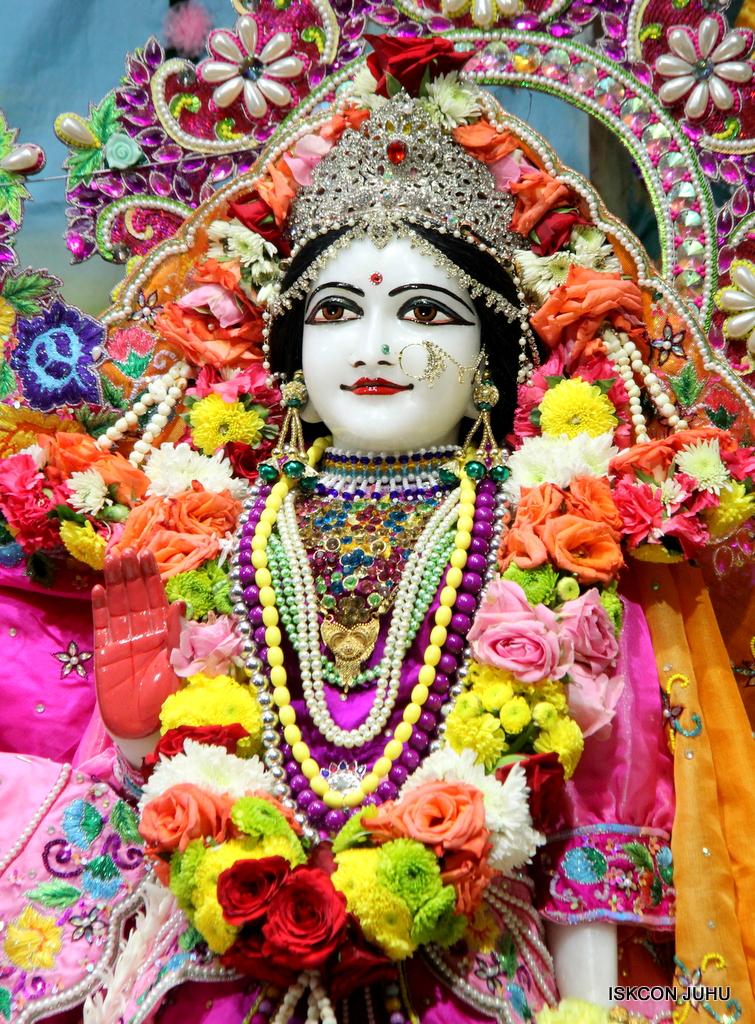 ISKCON Juhu Sringar Deity Darshan on 29th Sep 2016 (42)