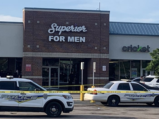 2 dead, 2 wounded in shooting at busy east Birmingham shopping center