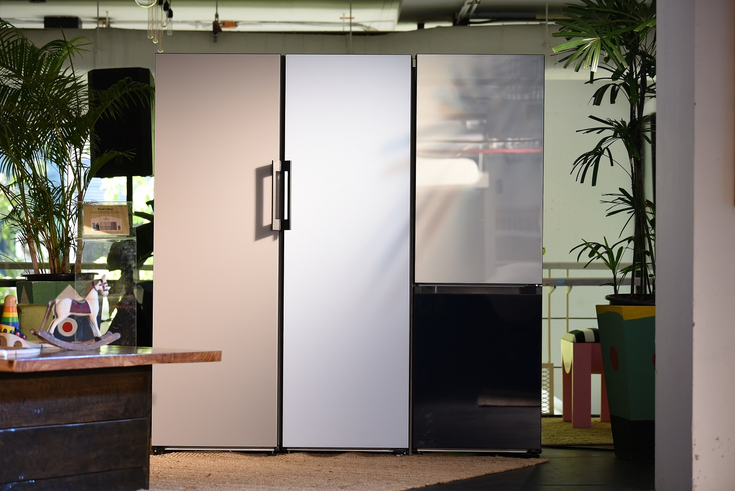 """ตอบโจทย์ทุกจินตนาการในห้องครัวกับ """"Bespoke"""" ตู้เย็นยุคใหม่จากซัมซุงผ่านมุมมอง 'แก๊ป-ธนเวทย์ สิริวัฒน์ธนกุล' นักออกแบบหัวสมัยใหม่"""