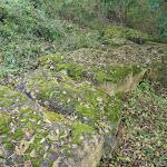 Château d'Orville : pierres hors du chantier de fouille