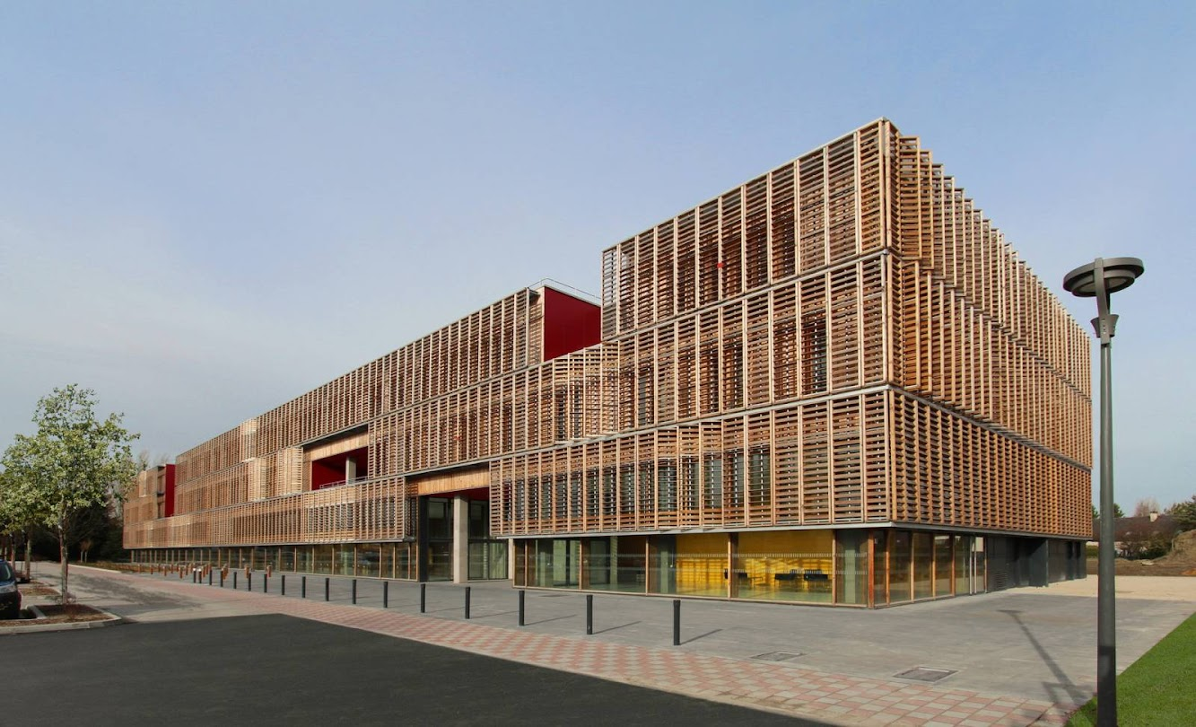 Compiègne, Francia: Univeristy of Technology (UTC) by Ameller Dubois & AssociÉS