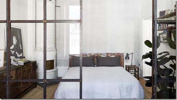 La casa di un artista tra stile scandinavo e industriale
