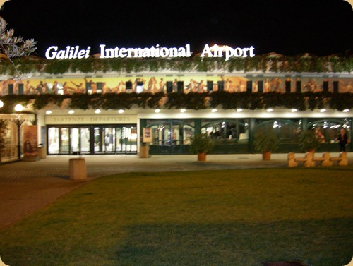 Pisa_Airport_by_night