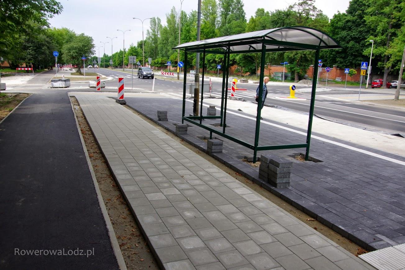 Pasażerowie musza jeszcze poczekać na infrastrukturę. Ważne, że w ogóle autobusy już jeżdża.