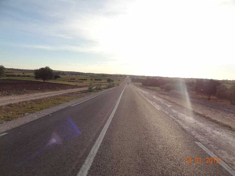 Marrocos e Mauritãnia a Queimar Pneu e Gasolina - Página 2 DSC05528