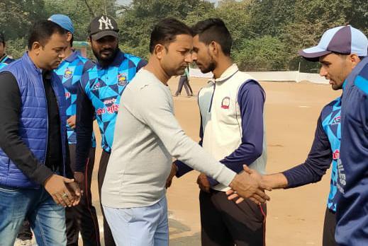 पुलिस-पब्लिक मैत्री क्रिकेट टूर्नामेंट: सेमीफाइनल में सिवान पांच विकेट से जीता, सचिन बने मैन ऑफ द मैच