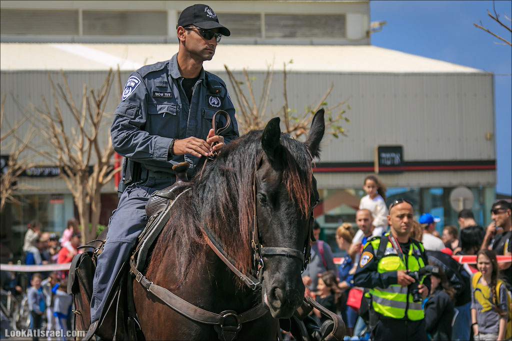 Эта служба и опасна и трудна | LookAtIsrael.com - Фотографии Израиля и не только...