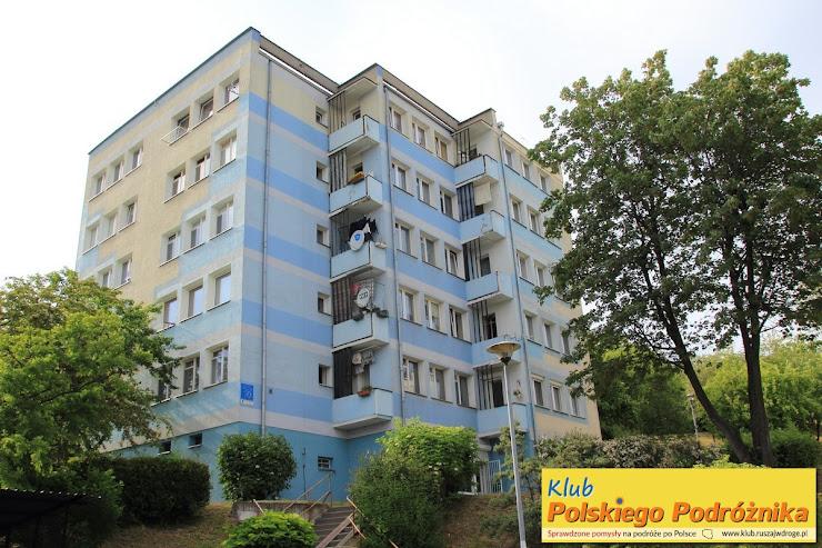 Budynek z wejściem do Filii nr 33 w Gdańsku