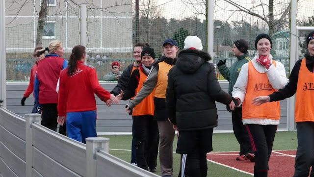 Priateľský futbalový zápas žien z JUHu a z Lábu - P1070343.JPG