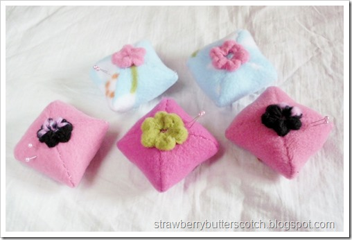 5 Fleece Mini-Pincushions with Flowers