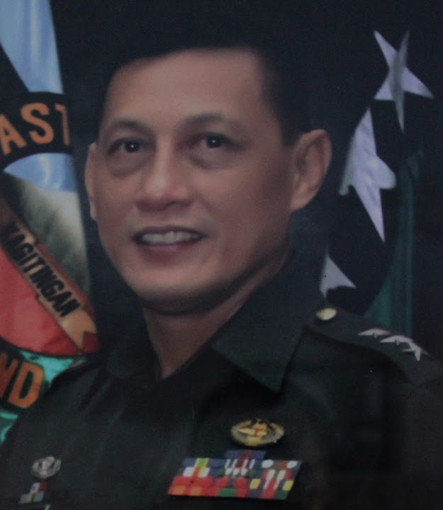 LTGEN RAYMUNDO B FERRER AFP (26 JAN 2009 TO 19 NOV 2010)