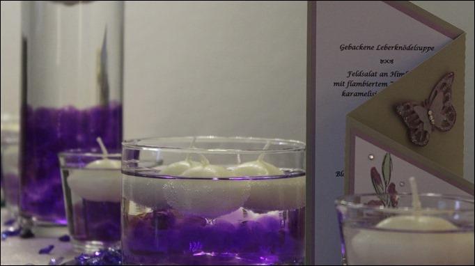 Dekoideen Dinnerparty Tischdeko Wasserperlen Schwimmkerzen Aqualinos lila 04