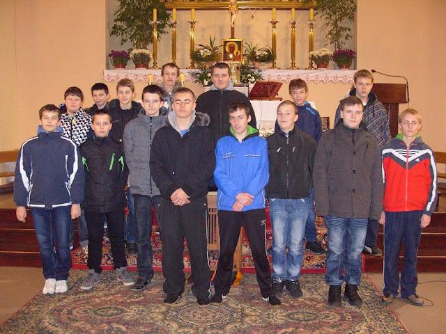 Spotkanie prowadził Ksiądz Krzysztof Kulpa - dekanalny duszpasterz  Liturgicznej Służby ... a5bdd5abe3e5b
