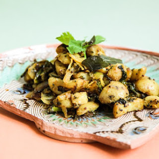 Vegan Potato and Kale Bhaji with Curry Leaves
