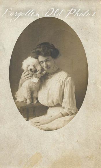 Lady and dog GR Flea MKt