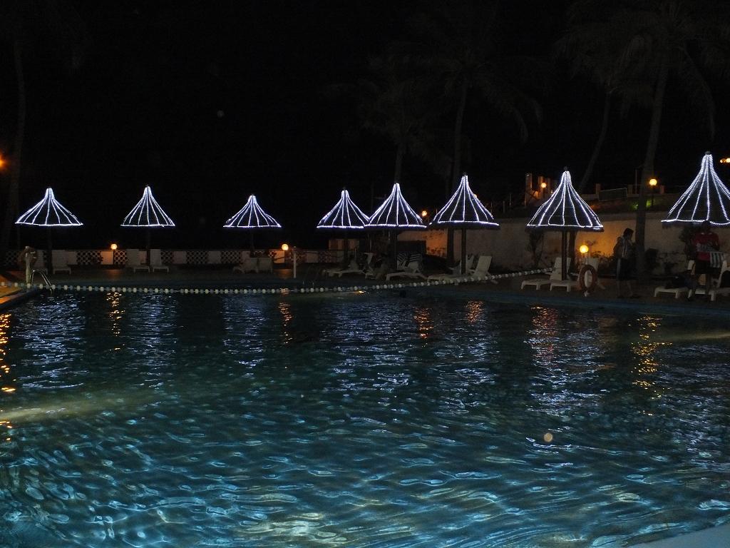 Poolside, Ceylon Continental Hotel.