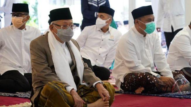 Ma'ruf Amin Pastikan Larangan Salat Berjamaah saat PPKM Darurat Sesuai Tuntutan Kiai
