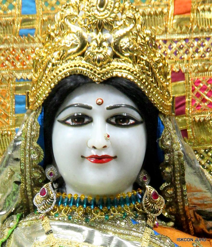 ISKCON Juhu Mangal Deity Darshan on 20th Jan 2017 (21)
