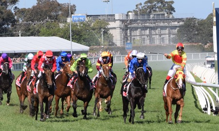 caulfield guineas_finish 4