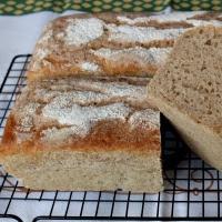 chleb z 3 rodzajów mąk na zakwasie