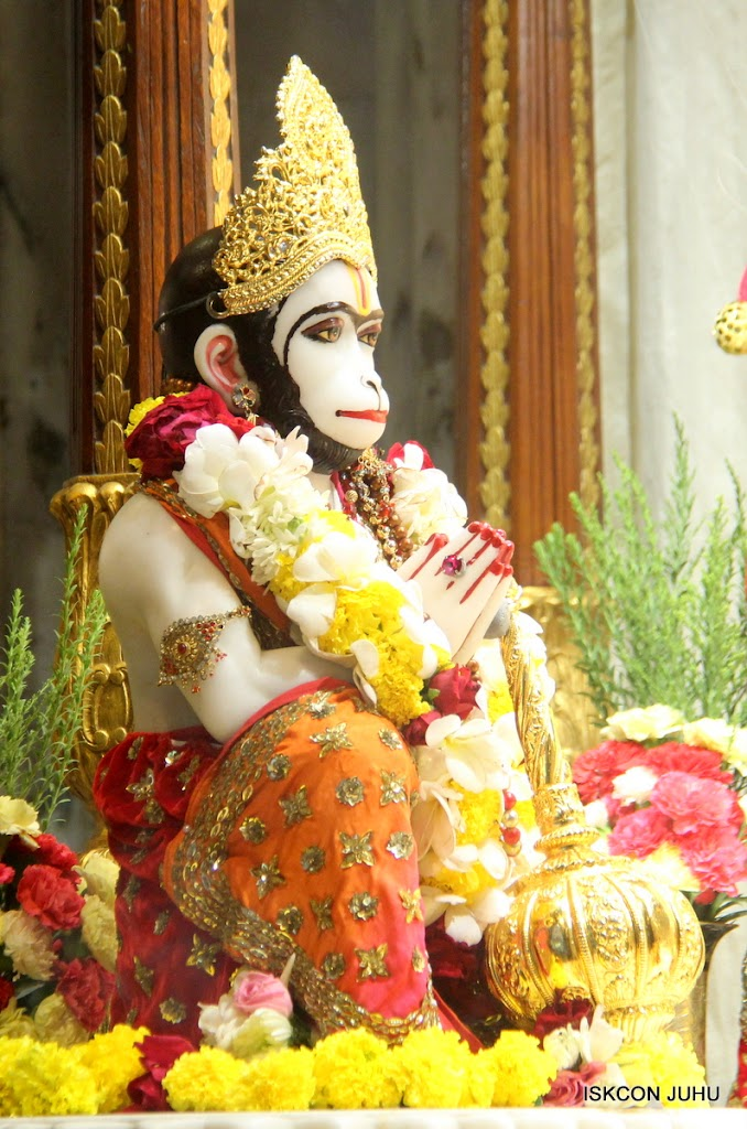 ISKCON Juhu Sringar Deity Darshan on 28th June 2016 (53)