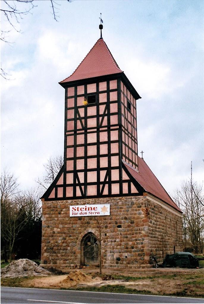 Kirche-Außenansicht.jpg