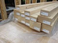 Konstruktionsvollholz, ab Werk in Längen geschnitten und beschriftet