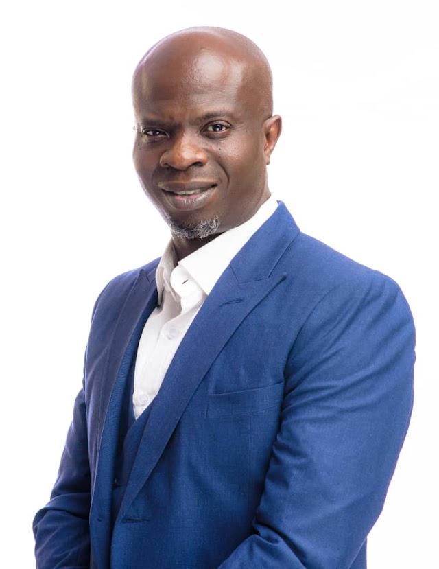 Ojodu LCDA Boss, Odunmbaku Gives GCE Forms To Over 150 Students ~Omonaijablog
