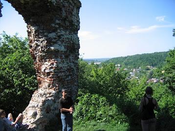 Bochotnica - Ruiny zamku Esterki