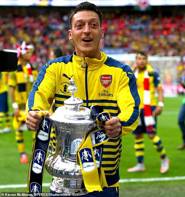 Mesut Ozil Signs For Turkish Club, Fenerbahce