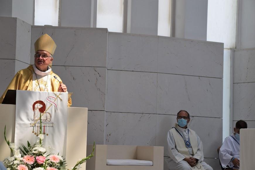 El obispo coadjutor, durante la homilía.