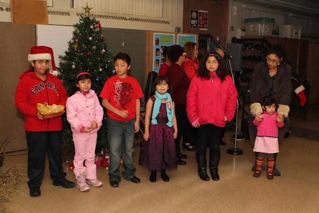 OLOS Navidad 2010 con Amigos Migrantes - IMG_9806.JPG