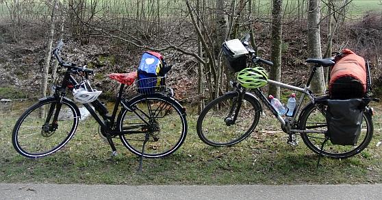 Räder von Anna und Chris im Luthern-Tal