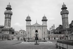 Masjid Wazir Khan, Shahi Guzargah, Lahore