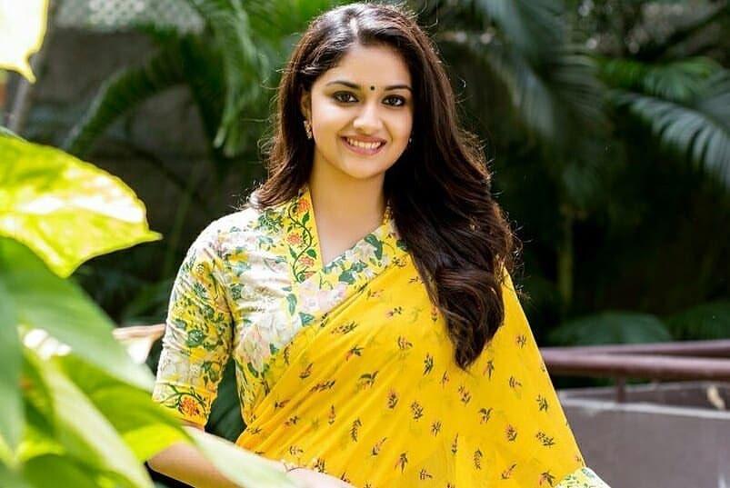Keerthi Suresh latest in yellow floral saree in Mahanati actress as Savitri Navel Queens