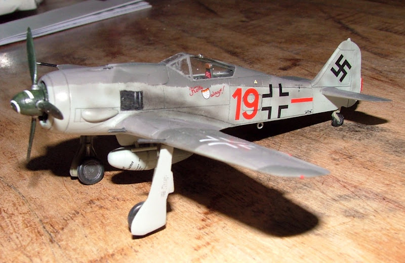 [Academy] Focke Wulf Fw-190A-8 DSCF3023