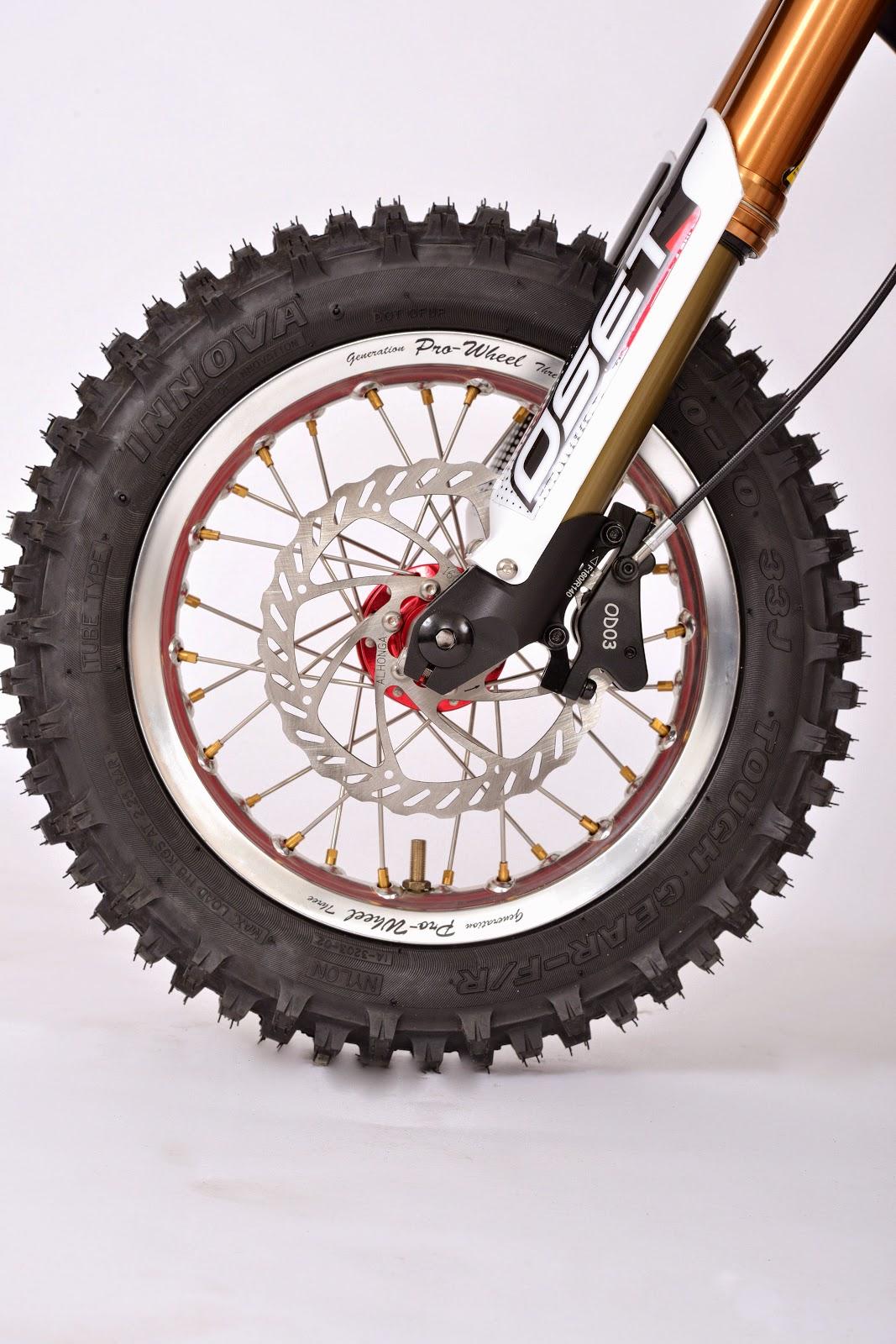 DSC_5528.JPG: Wheel