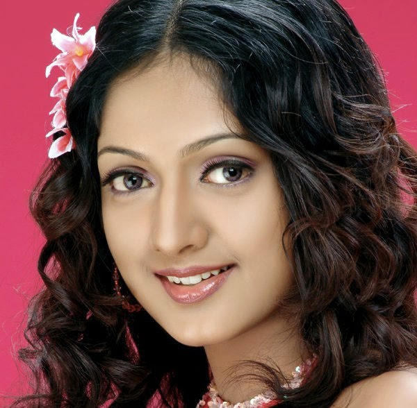 actress sheela kaur photogallery stills bay   movie